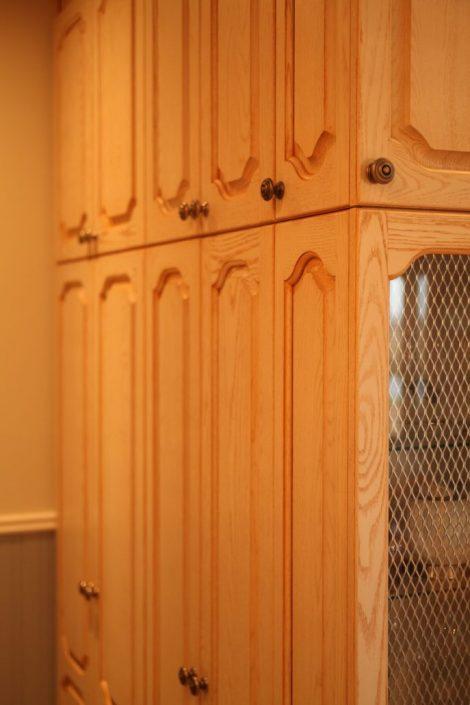 Armoire de cuisine bois massif cuisine sur mesure for Porte de cuisine bois massif