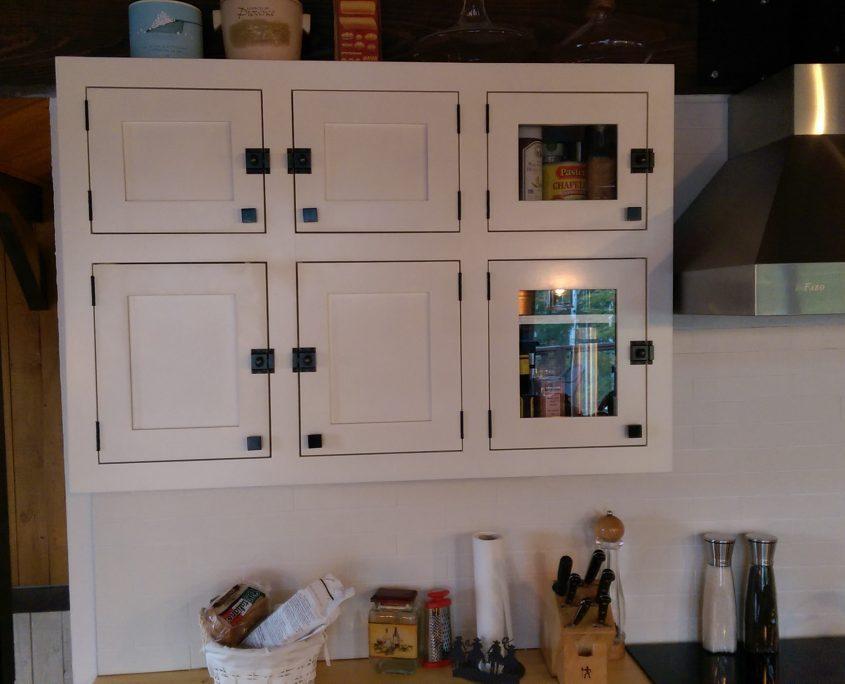 Armoire de cuisine blanche lot live edge cuisine for Armoire de cuisine shaker