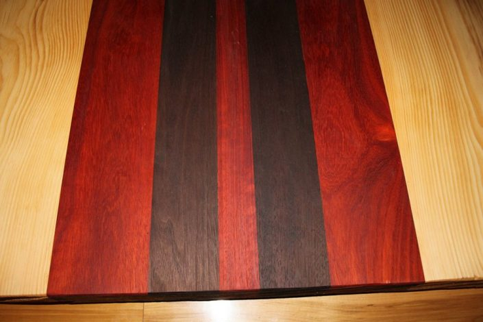 Table cuisine live edge table sur mesure bois b nisterie for Plateau de table de cuisine