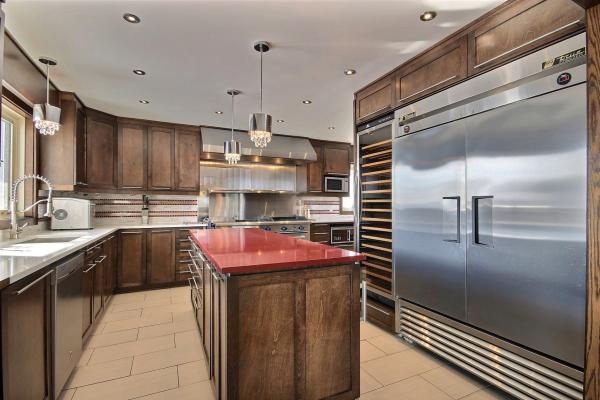 Cuisine moderne projet repentigny armoire de cuisine bois for Ilot cuisine sur mesure