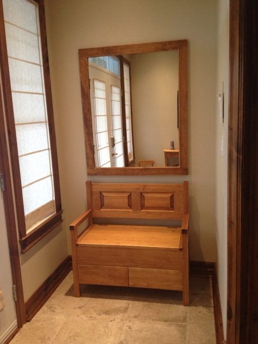 Banc de queteux en pin avec tiroirs meuble sur mesure par L'Ébénisterie de Lanaudière