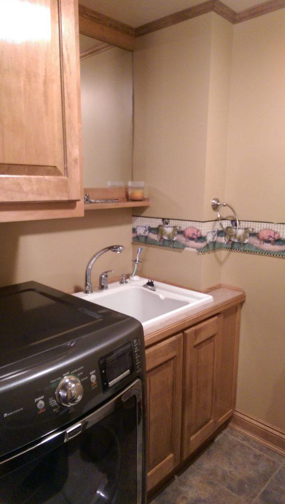 Vanité pour salle de lavage en pin avec miroir