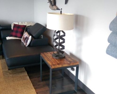 Table de salon bois métal fabriqué avec du bois de grange et du métal brut par L'Ébénisterie de Lanaudiere