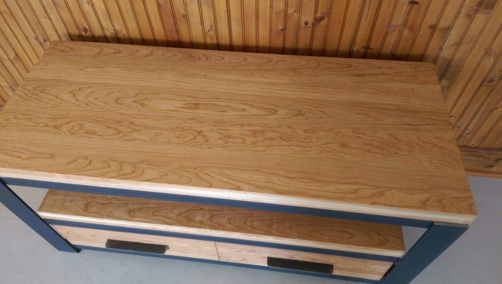Meuble tv industriel en bois métal avec cerisier massif fabriquer sur mesure par L'Ébénisterie de lanaudière