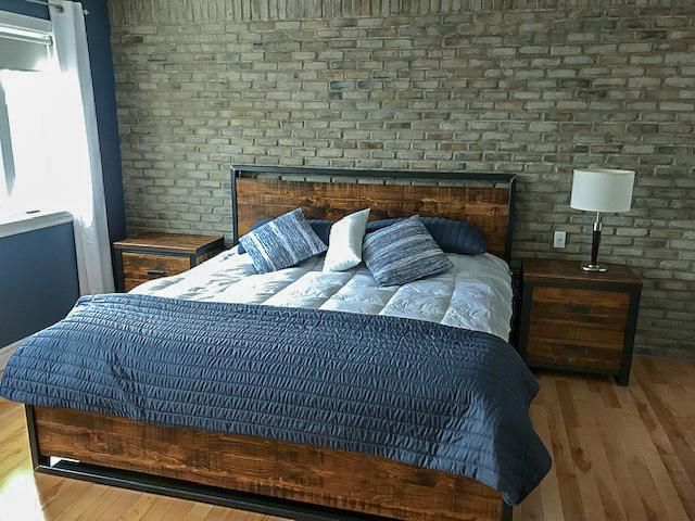 Meuble sur mesure mobilier de chambre bois métal bureau lit et table de nuit fabriquer par l'ébénisterie de lanaudière